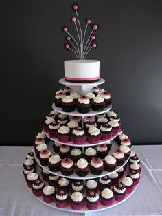 Wedding cupcake tower (red velvet and chocolate)