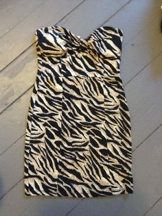 Charlotte Russe strapless dress. Worn once. Size medium. I just can't pull this off anymore. Swap or glitter.