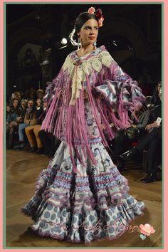 trajes de flamenca - Buscar con Google Moda Boho, Boho Fashion, Flamenco Dresses, Sari, Boho Style, Inspiration, Outfits, Image, Bracelets