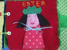 La reina Ester, realizada con fieltro, foami o goma eva para la corona y un listón para que el pequeño aprenda a hacer un moño con él.