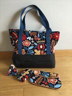 Diy Bags Purses, Fabric Purses, Fabric Bags, Purses And Handbags, Denim Bag Patterns, Bag Patterns To Sew, Hippie Bags, Boho Bags, Homemade Bags