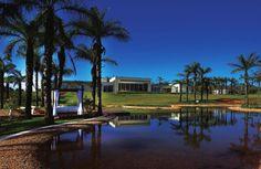 Casa Vila do Perpétuo - Localizada em Nova Lima – MG, essa casa foi projetada pelo arquiteto Luiz Lanza.