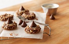 Try this Chocolate Thumbprint Cookies recipe, made with HERSHEY'S products. Enjoyable baking recipes from HERSHEY'S Kitchens. Bake today.