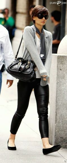 Perfect casual street style black leggings, flats and grey cardi