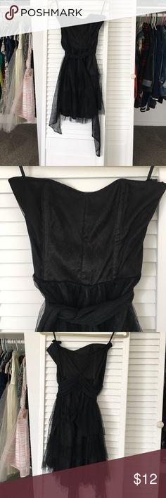 H&M Black Tulle Strapless Dress Strapless black tulle dress by H&M. Size 8.🌺 H&M Dresses