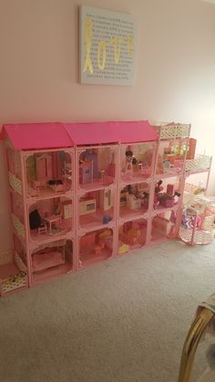 1995 Barbie Pink 'N Pretty House! – The Empress Sisters Barbie Doll Set, Barbie Sets, Barbie Doll House, Barbie Dream House, Vintage Barbie Dolls, Barbie Barbie, Barbie Clothes, Disney Princess Room, Minnie Mouse Toys