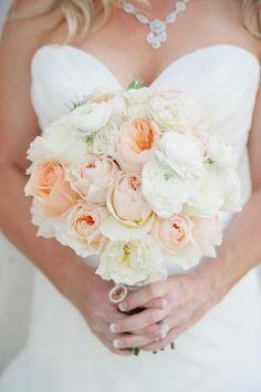 Soft colors #weddings #bouquet