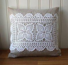 Applications in Crochet - Nahen Crochet Cushions, Crochet Pillow, Sewing Pillows, Diy Pillows, Crochet Motif, Decorative Pillows, Crochet Patterns, Throw Pillows, Doilies Crafts