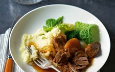 A+delicious+recipe+for+pork+braised+with+apricots,+ginger+and+lemon+thyme
