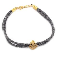 Joyeria Plata y Azabache Artesania Galicia Home Page Silver and Black Jet Crafts Jewelry Crafts Shell Bracelet, Tax Free, Pilgrim, Jewelry Crafts, Shells, Arts And Crafts, Traditional, Jewels, Jewellery