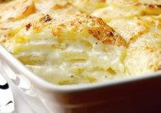 A French classic, this dauphinoise potatoes recipe is delicious and warming, designed to fill you up. Perfect for the winter months! recipe dauphinoise Quick and Easy Dauphinoise Potato recipe Patate Dauphinoise, Great Recipes, Favorite Recipes, Uk Recipes, French Recipes, Vegetarian Recipes, Cooking Recipes, Vegetable Recipes, Good Food