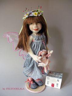 needle felted art doll by FELTOOHLALA.KIM.