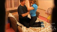 Молодая пара охотно занялась сексом на скрытую камеру