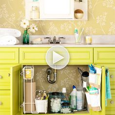 Weekly Cleaning Made Easy. under sink storage {bathroom}. Weekly House Cleaning, House Cleaning Tips, Cleaning Hacks, Cleaning Checklist, Spring Cleaning, Bathroom Organization, Bathroom Storage, Organization Hacks, Bathroom Interior