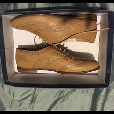 Brand New Tan Oxford Shoes Make An Offer  Brand New & Never Worn | Tan Oxford Shoes | Super Cute Designs Shoes Flats & Loafers