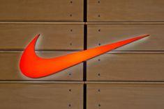 Nike Shoes Cheap, Nike Free Shoes, Running Shoes Nike, Cheap Nike, Model Street Style, Street Style Women, Teen Fashion, Fashion Tips, Fashion Spring