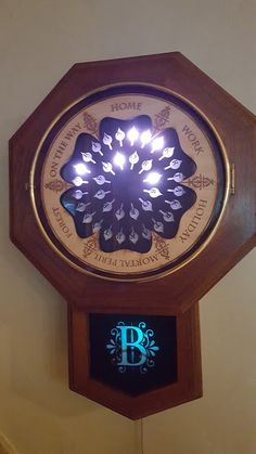 While a lot of people have apparently told Bagley they'd love to buy more Weasley clocks from him, he's more excited by the thought of others trying to build their own. | This College Student Used His Family's Cell Phones To Re-Create The Weasleys' Clock