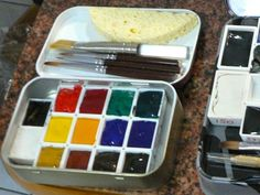 Movable Pallet Altoid Tin Watercolor Set--by thehaggard on instructables. I love the idea of putting magnets on the bottom of the half pans.