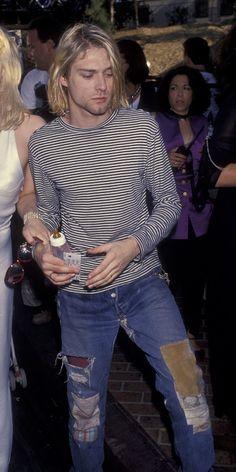 Kurt cobain, grunge, and nirvana image Punk Outfits, Grunge Outfits, 90s Fashion Grunge, Outfits Casual, 1990s Grunge, Kurt Cobain Style, Kurt Cobain Photos, Nirvana Kurt Cobain, Grunge Look