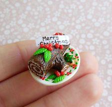 Christmas Cake 1:12 scale Handmade Dollhouse Miniature (polymer clay)