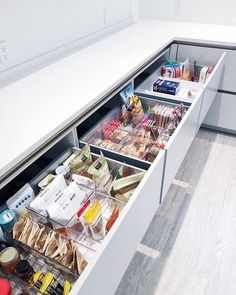 As I'm helping a client with her new kitchen design this picture illustrates j. As I'm helping a client with her new kitchen design this picture illustrates just how important drawers are as supposed to those annoying…,