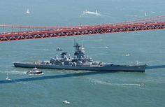 sw iowa   Battleship IOWA passes under the Golden Gate Bridge (Photo courtesy ...