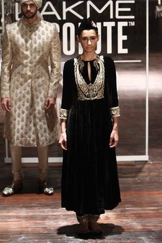 Sabyasachi at Lakmé Fashion Week Winter/Festive- 2016 Indian Attire, Indian Ethnic Wear, Indian Outfits, Indian Style, Lakme Fashion Week, India Fashion, Asian Fashion, Saris, Lehenga