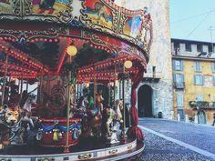 Sunday morning in Bergamo @fabiopa88 #callme_blest #bergamo #bergamoalta #vivibergamo #cittaaltabergamo #cittaalta #giostre #itschristmastime #tourist #ilovebergamo #italy #places #bestplace #photooftheday #potographer #photo #instagram #instadaily #igersbergamo #igeraitalia #igerslombardia #iphone6