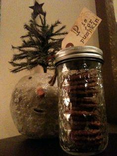 cookies in mason jars