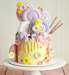 Just Stunning cake by seen via Gorgeous Cakes, Pretty Cakes, Amazing Cakes, Cupcakes, Cupcake Cakes, Artist Cake, Candy Cakes, Birthday Cake Girls, Drip Cakes