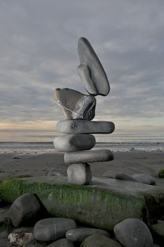 STONE BALANCE (INSTALLATIONS by ADRIAN GRAY)   Duncan George Photography