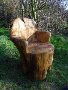 Chainsaw carved seat. Woodworking. Carving. Rustic.