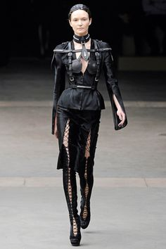 Alexander McQueen Yes, I sure would wear this. I don't care if I'm too old. I'd wear it to do my groceries. That's right.