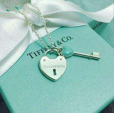 Tiffany OFF! Tiffany-Co fashion style jewellry necklace Azul Tiffany, Colar Tiffany E Co, Tiffany Key, Tiffany And Co Jewelry, Tiffany Bracelets, Tiffany Necklace, Tiffany Blue, Opal Jewelry, Silver Jewelry