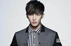 Rakuten Viki - Watch Korean Dramas, Chinese Dramas and Movies Online Kdrama, Asian Actors, Korean Actors, Pretty Men, Gorgeous Men, Hot Actors, Actors & Actresses, Refresh Man, Crush Pics