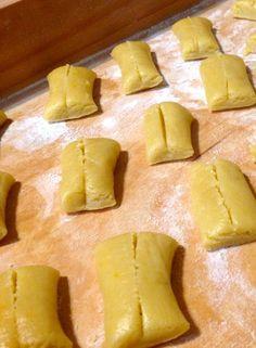 Lombardy - The Other Side of Italian Food Biscotti Cookies, Galletas Cookies, Cupcake Cookies, Biscuits, Favorite Cookie Recipe, Italy Food, Antipasto, Finger Foods, Italian Recipes