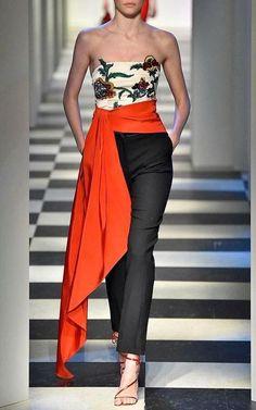 Couture Fashion, Runway Fashion, Womens Fashion, Fashion Trends, Ladies Fashion, Fashion Ideas, Looks Chic, Looks Style, Look Fashion