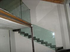 Parapetti divisori e scale vetro - Bergamo MIlano Brescia- Vetraria Geg