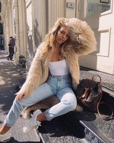 "Natasha Oakley on Instagram: ""It's snuggle season 💫🐻 @revolve #revolvearoundtheworld"" Urban Fashion, Girl Fashion, Fashion Outfits, Fashion Ideas, Fashion Inspiration, Girly Outfits, Cute Casual Outfits, Fall Winter Outfits, Autumn Winter Fashion"