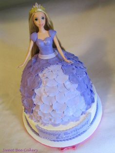 My friends daughter wanted a Tangled cake and I wanted to do something different. Chocolate and vanilla marbled together and filled with alternating layers of chocolate buttercream and vanilla buttercream and then covered in MMF petals. Doll Birthday Cake, Princess Birthday, 5th Birthday, Birthday Ideas, Chocolate Buttercream, Vanilla Buttercream, Bolo Rapunzel, Dress Cake, Beautiful Cakes