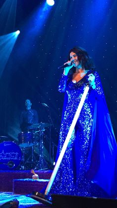 Honestly, the visuals for this concert were so amazing and Marina is such an incredible performer.