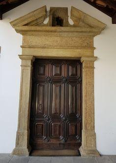 Mosteiro de São Bento - Rio de Janeiro. Detalhe Porta Lateral, Fachada Principal