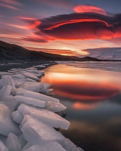 Amazing Photography, Travel Photography, Cool Pictures, Cool Photos, Lenticular Clouds, Sutra, World Photo, Landscape Photographers, Amazing Nature