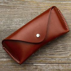 Leather Sunglasses Case, Leather Sunglass Case, Glasses Case, Leather Case, Glasses Protector Handmade to order - Will fit Ray Ban etc Leather Glasses Case, Color Secundario, Metal Letters, Thick Leather, Romantic Gifts, Cowhide Leather, Computer Accessories, Leather Craft, Gifts For Mom
