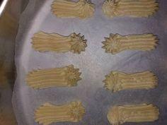 Μπισκότα βουτύρου !!! ~ ΜΑΓΕΙΡΙΚΗ ΚΑΙ ΣΥΝΤΑΓΕΣ Rice Desserts, Cakes, Recipes, Food Cakes, Recipies, Pastries, Ripped Recipes, Torte, Cookies