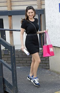 Kelly Brook Little Black Dress Kelly Brook Style, Kelly Brook Hot, Red Carpet Dresses, Celebrity Style, Hot Girls, Girl Outfits, Short Sleeve Dresses, Dresses For Work, Rita Ora