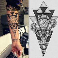 Hip - Dark - Sketch Tattoo Design Needed! Réalisé par Giulio Rossi