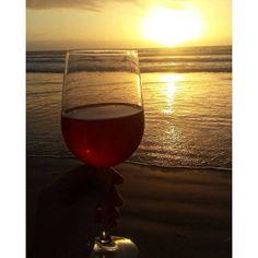 Existen muchas maneras de cerrar un fabuloso día, como por ejemplo degustando un buen Vino de #ValleDeGuadalupe mientras observas los maravillosos atardeceres del océano pacifico en las extensas playas de #Ensenada! Sin duda una experiencia que no te puedes perder! Aventura por rickyyy19