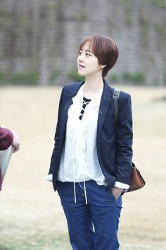 Moon Chae Won, Actors & Actresses, Korea, Blazer, Hair Styles, Swan, Fashion, Hair Plait Styles, Moda