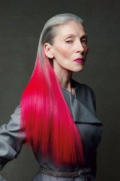 Dye your hair simple & easy to ombre Electric hair color - temporarily use ombre pink hair dye to achieve brilliant results! DIY your hair ombre with hair chalk Older Women Hairstyles, Cool Hairstyles, Beautiful Hairstyles, Short Edgy Hairstyles, Advanced Style, Ageless Beauty, Aging Gracefully, Silver Hair, Pink Hair